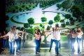 """Ar  krāšņu izrādi nosvinēta DU studentu deju ansambļa """"Laima"""" 60 gadu jubileja"""