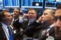 Naftas cenas pēc krituma pieaug, biržu indeksi sarūk Eiropā un ASV