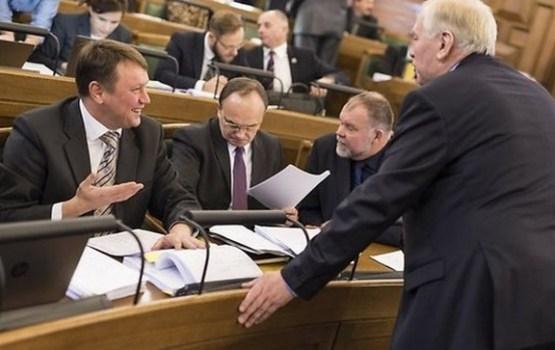Ministru algas un solidaritātes nodoklis: Saeima atbalsta nākamā gada budžetu