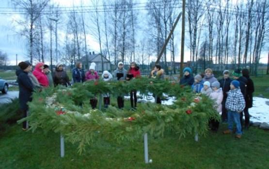 Adventes sveces iedegšana Maļinovas pagastā