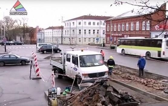 Transporta kustība Rīgas un Stacijas ielu krustojumā tiks noregulēta līdz Ziemassvētkiem