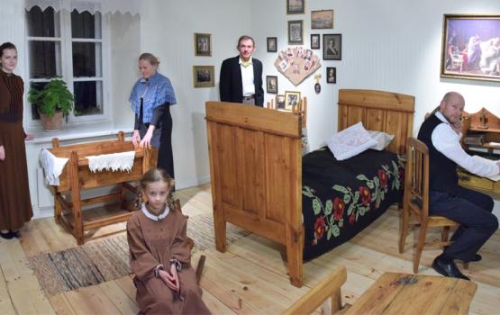 Raiņa mājā Berķenelē atklāj bērnistabu