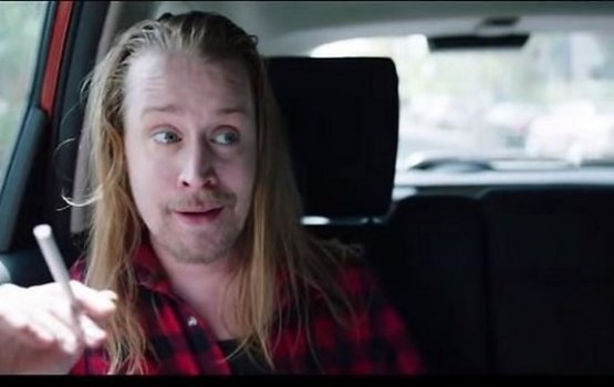 Interneta hits: Kā uzvedas pieaudzis 'Viens pats mājās' Kevins