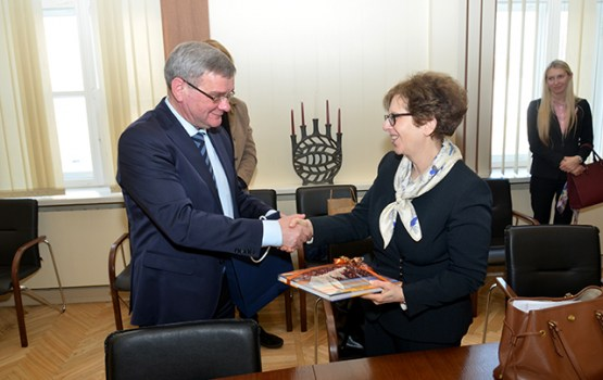 Daugavpili apmeklēja ASV vēstniece Latvijā Nensija Bikofa Petita