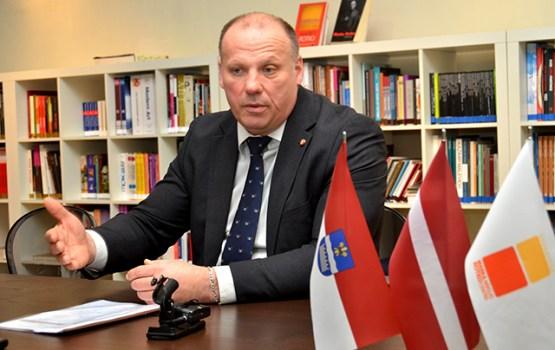 Daugavpili apmeklēja aizsardzības ministrs R.Bergmanis
