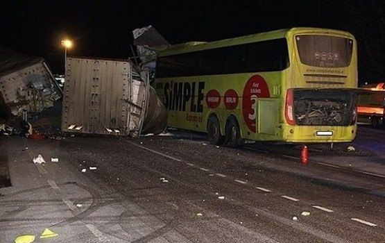 Autobusa avārijā Igaunijā gājis bojā Latvijas pilsonis