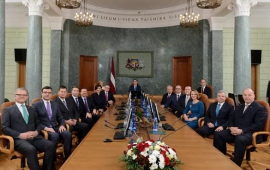 Darbu sāk Māra Kučinska valdība