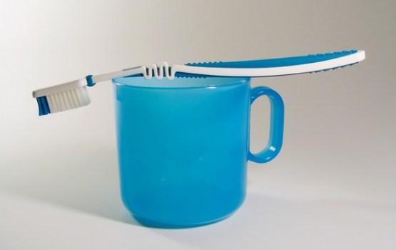 Seši ieteikumi, kā pareizi tīrīt zobus un uzturēt tos veselus