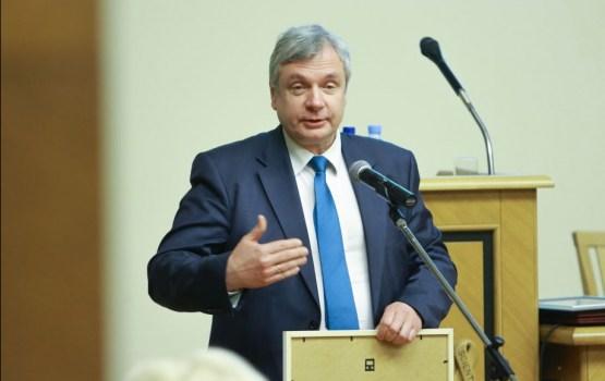 Šadurskis piedalīsies diasporas skolotāju seminārā Lielbritānijā