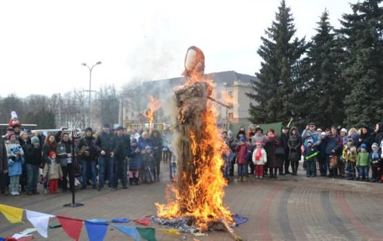 12. martā Masļeņicas svētki Vienības laukumā