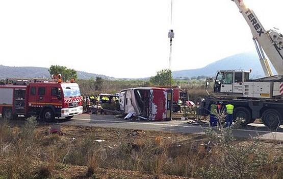 Spānijā avarējis 'Erasmus' studentu autobuss; vismaz 14 bojāgājušo