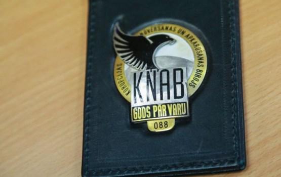 Reinbaham joprojām aizdomās turētā statuss KNAB sāktajā kriminālprocesā