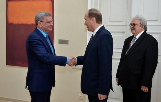 Daugavpili apmeklēja Krievijas vēstnieks Latvijā Aleksandrs Vešņakovs