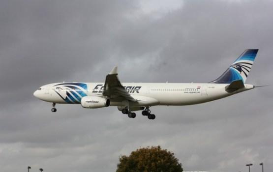"""Ceļā no Parīzes uz Kairu pazudusi """"EgyptAir"""" pasažieru lidmašīna"""