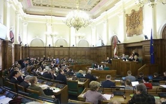 Administratīvo sodu deputātiem varēs uzlikt bez Saeimas piekrišanas