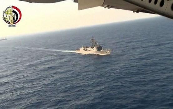 """Ēģiptes armija paziņo par """"EgyptAir"""" lidmašīnas atlūzu atrašanu"""