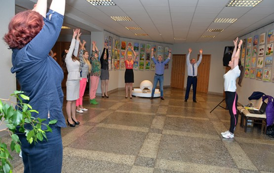 Veselības nedēļa sākās ar vingrošanu Daugavpils Domē