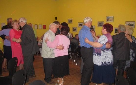 Vecsalienā aizvadīta Senioru balle