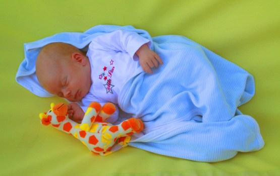 Latvijā turpina palielināties dzimstība