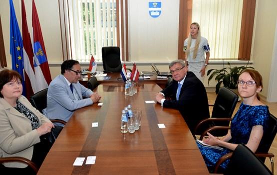 Nīderlandes vēstnieks interesējas par Daugavpils ekonomisko potenciālu