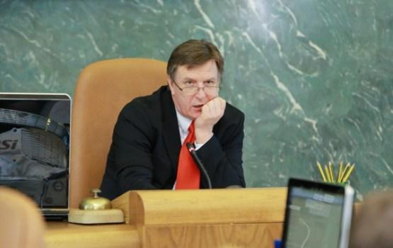 Kučinskis lūdzis Streļčenoku pasteidzināt izmeklēšanu par Belēviča ārstēšanos