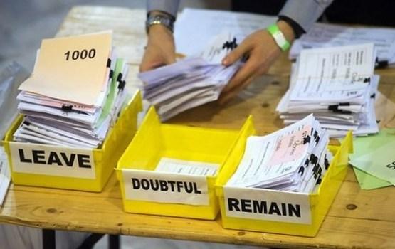 Lielbritānijā miljons cilvēku paraksta petīciju par atkārtotu referendumu