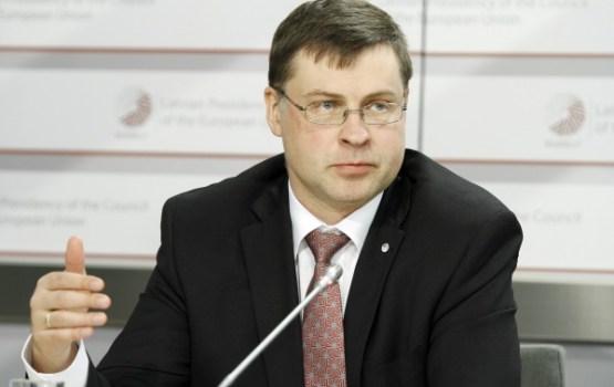 Lielbritānijas pārstāvis EK demisionē; portfeli nodos Dombrovskim