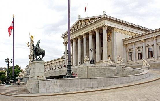 Austrijas Konstitucionālā tiesa liek atkārtoti rīkot prezidenta vēlēšanas