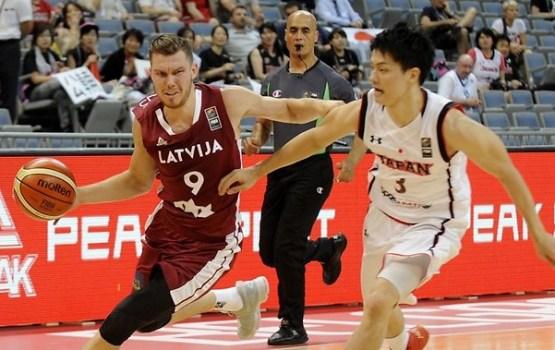 Latvijas basketbolisti pārliecinoši sāk Rio kvalifikācijas turnīru