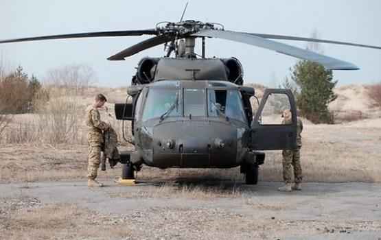 "Latvijā ieradušies pieci ASV helikopteri UH-60 ""Black Hawk"""