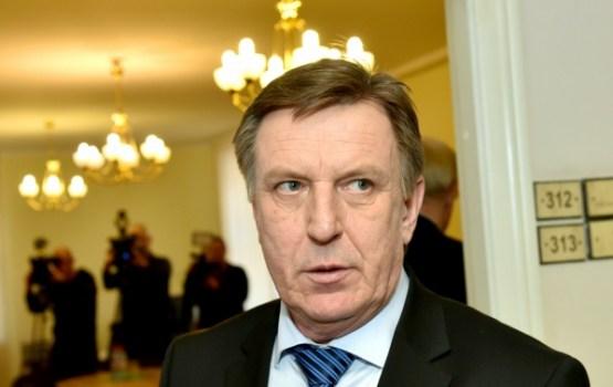 Kučinska atvaļinājuma laikā valdību vadīs Reizniece-Ozola un Dūklavs