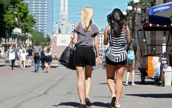 Latvijas zeltenes ir pašas garākās sievietes pasaulē