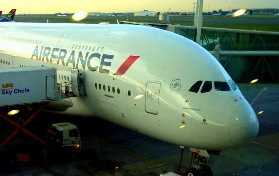 """""""Air France"""" stjuartu streiks otrajā dienā ietekmējis 30 000 pasažieru"""