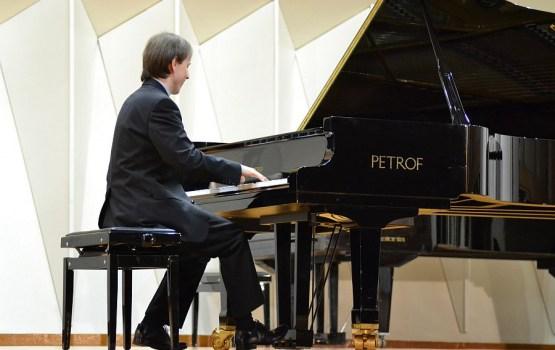 Talantīgo pianistu meistarkursi Daugavpilī