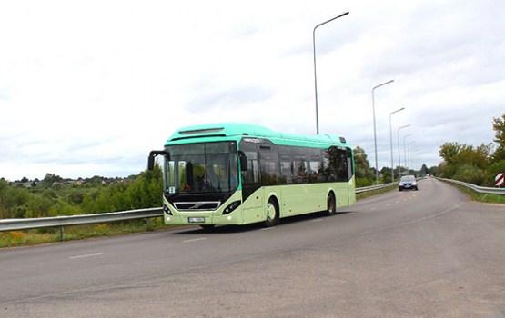 """AS """"Daugavpils satiksme"""" testē jauno zemās grīdas pilsētas autobusu"""