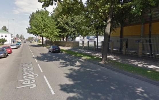 Ierobežota transporta kustība Jelgavas ielā