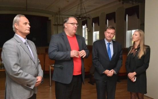 Slovākijas vēstnieks atklāja izstādi Daugavpils Universitātē