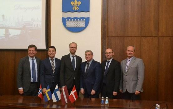 Vēstnieki Daugavpils Domē apsprieda tālākās sadarbības iespējas