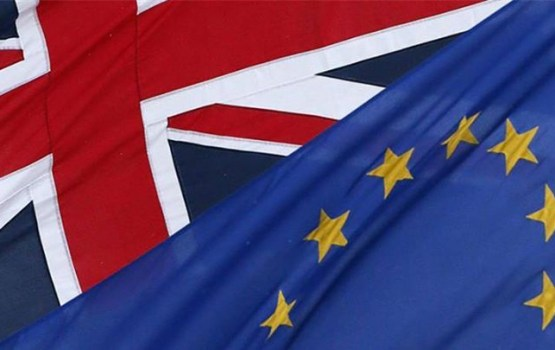 Visi Lielbritānijā dzīvojošie ES pilsoņi drīkstēs tur palikt pēc izstāšanās no bloka