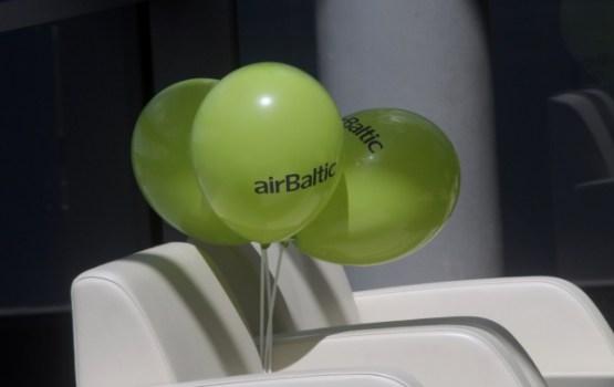 'airBaltic' meklēs 1000 darbinieku