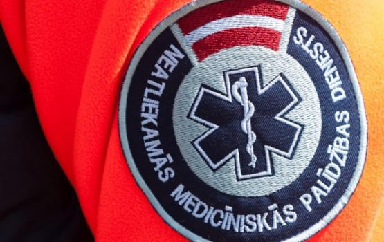 Salaspilī automašīna notriekusi divus gadus vecu puisīti