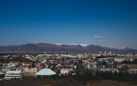 Islandē notiek parlamenta pirmstermiņa vēlēšanas