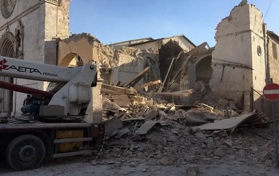 Itālijā atkal notikusi spēcīga zemestrīce; sabrūk vairākas mājas