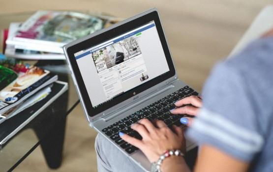 """""""Facebook"""" nejauši pasludina par mirušiem divus miljonus dzīvu lietotāju, pat Cukerbergu"""