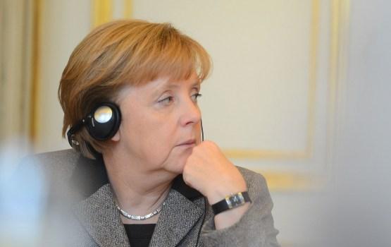 Vācijas sociāldemokrāti kritizē Merkeli par vāju pieteikumu kandidēšanai uz ceturto termiņu