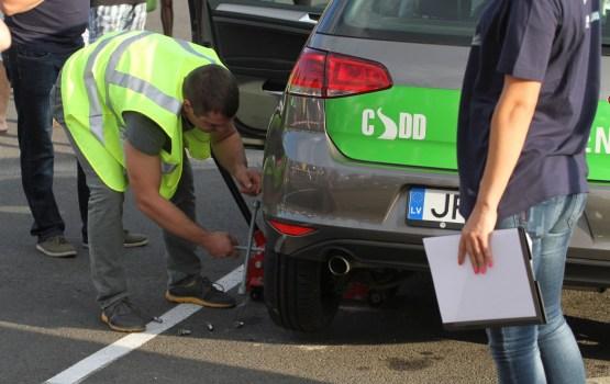 CSDD 11 mēnešos izsniegusi par 1% mazāk autovadītāja apliecību