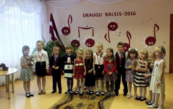 Solistu konkursā bērni dzied par dzimteni