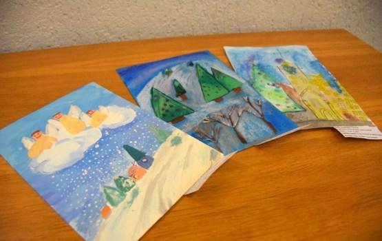 Izvērtēti bērnu zīmējumi Ziemassvētku apsveikumu veidošanai