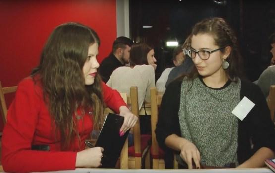 Politiķi ar jauniešiem pārrunāja nākotnes plānus