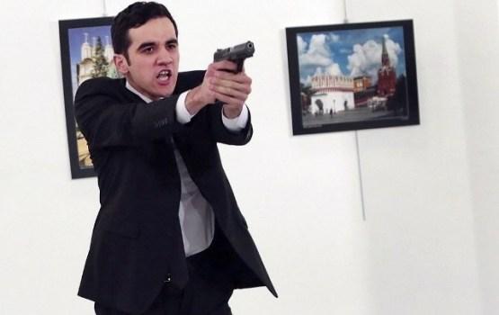 Ankarā nošauts Krievijas vēstnieks